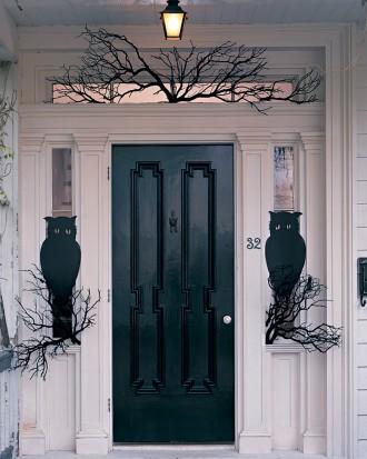 Halloween 49: owl-guards-1010sip98296_vert