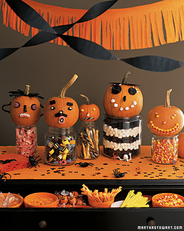 Halloween 50: pumpkin-halloween-dessert-table