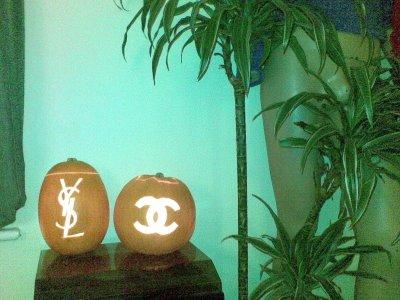 HHH: White Chanel designer-pumpkin2