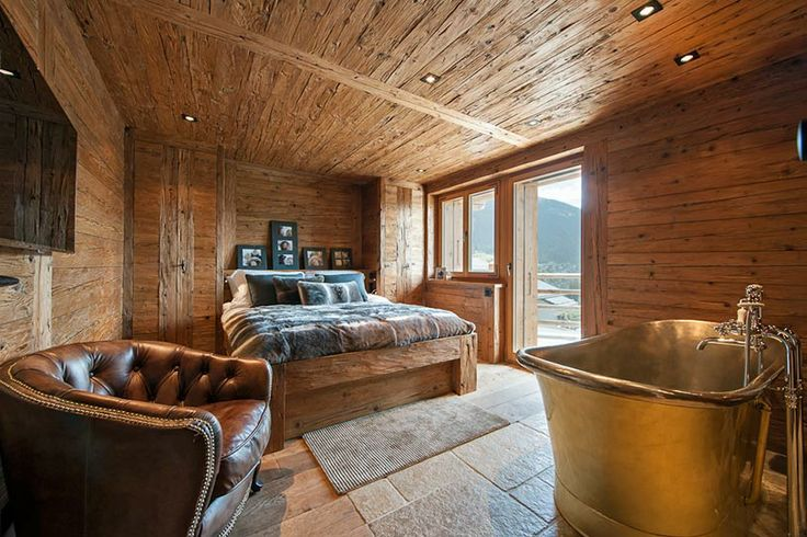 Chalet Interior 14: Bedroom/Bathroom e523a38099429a703e1ca4581d664397