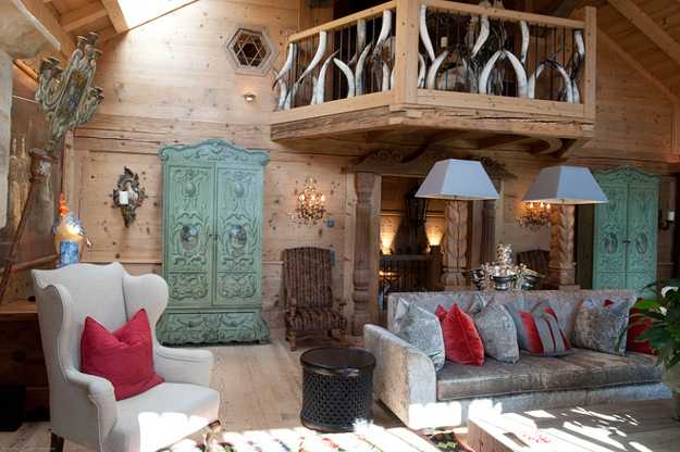 Chalet Interior 14: Sitting Room french-alpine-chalet-room-decorating-ideas