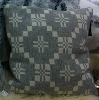 Chalet Product 14: Globus MG Cushion IMG_0283