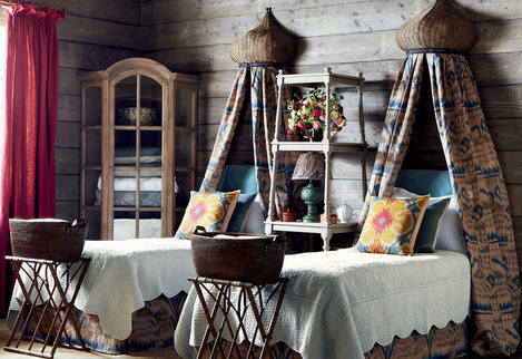 Chalet Product 14: Oka Ciel du Lit Room Image country_bed2_r