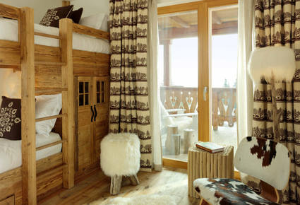 Chalet Interior 14: Bedroom mont_chalet04