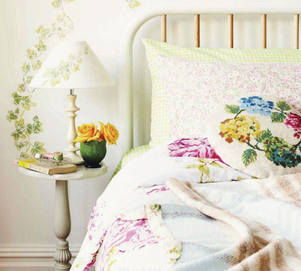 Easter 14 Room: Spring Floral Bedroom Decorating