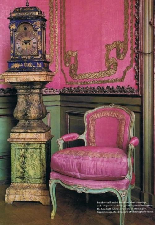 Spring 14 Room: Pink chair against green wall 62b5c0f62c30fc2f9b3777546917e