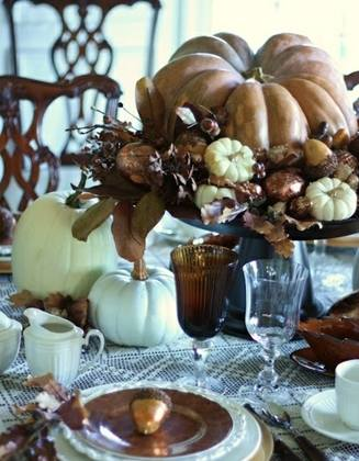 Autum 14 Acc: golden-fall-table-decoration