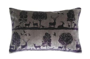 X-Mas 14: Velvet Deer Cushion 3 c120143-m