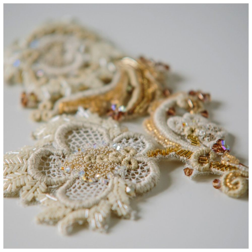 Antique Lace Headpiece in Gold