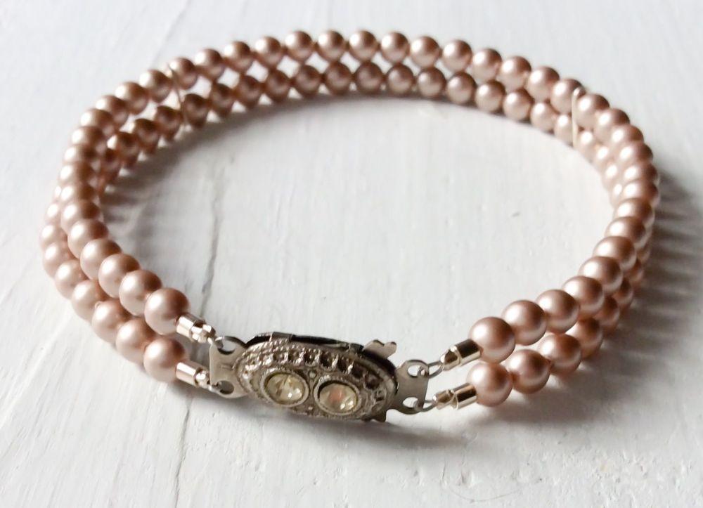 Double strand bracelet powder almond