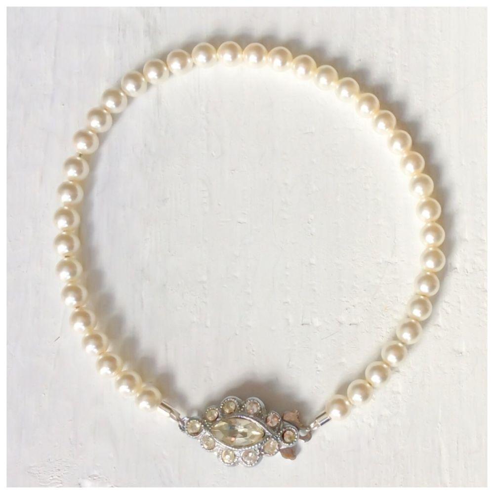 4mm Ivory cream bracelet