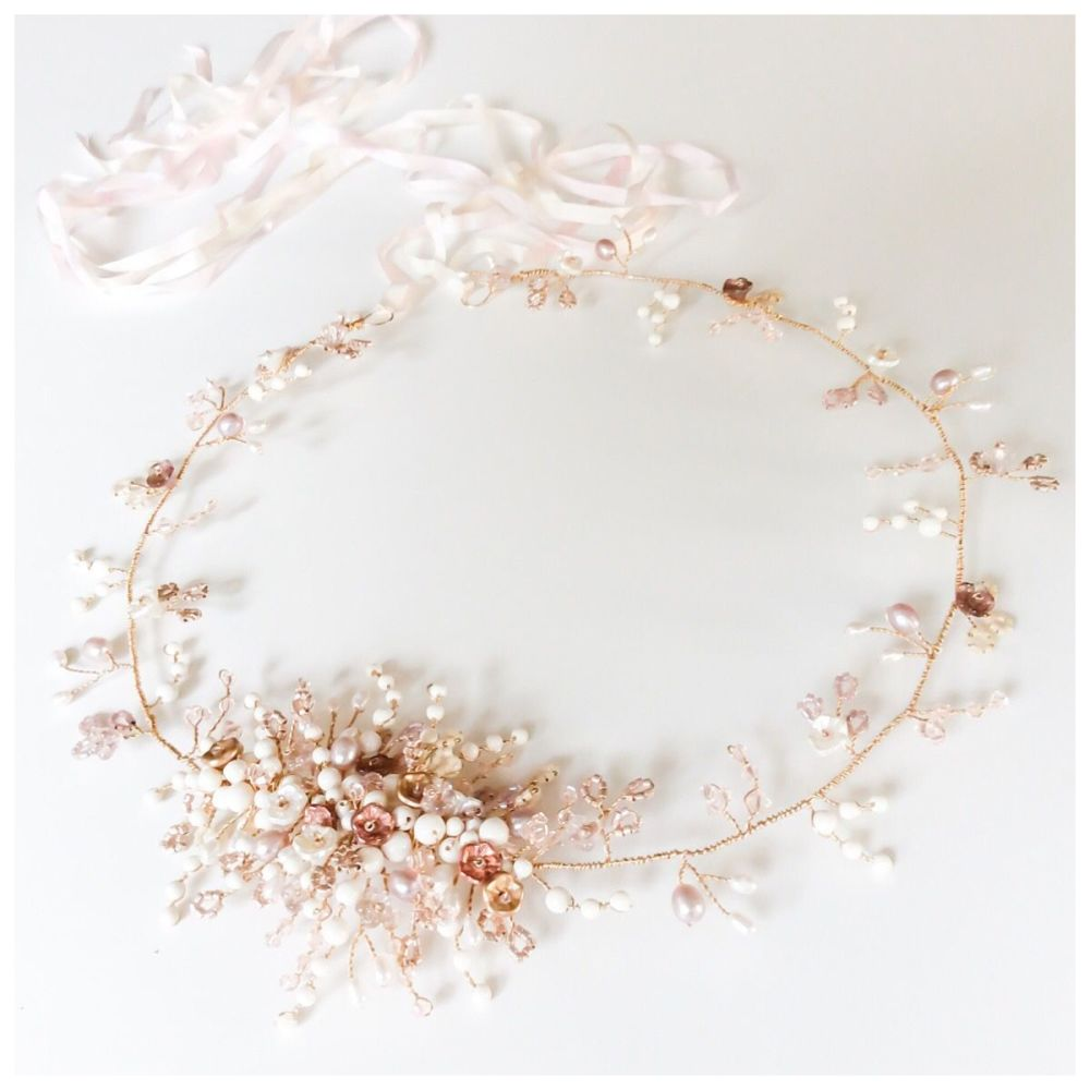 Winter Rose Halo vine in Rose Gold with gold wiring