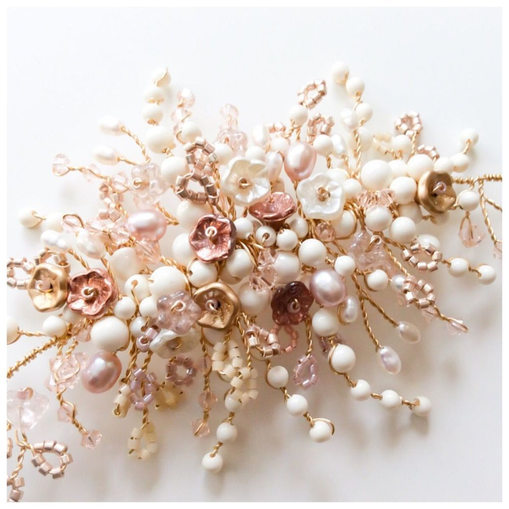 Winter Rose halo vine in Rose Gold detail