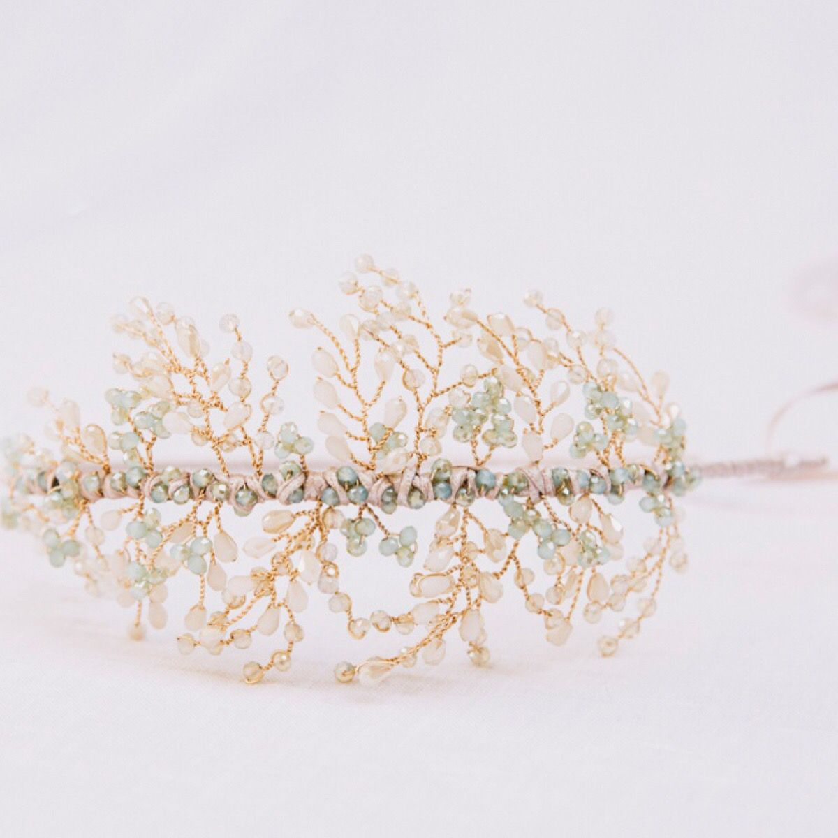 Comfortable wedding headband