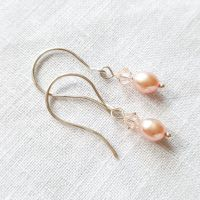 Dainty Natural Pink Pearl Earrings