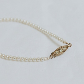 Dainty Pearl Single Strand Bracelet with Original Vintage Clasp