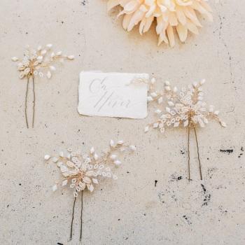 EN HIVER | Elaborately beaded Crystal Floral Bridal Hair Pin Set