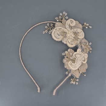 Vintage Lace Side Headdress