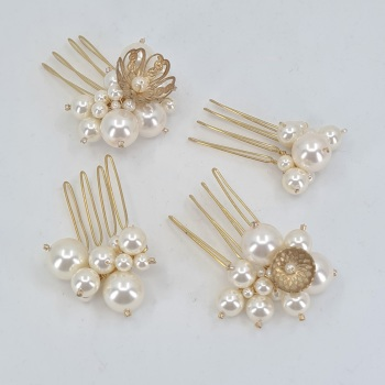 Set of four mini pearl combs