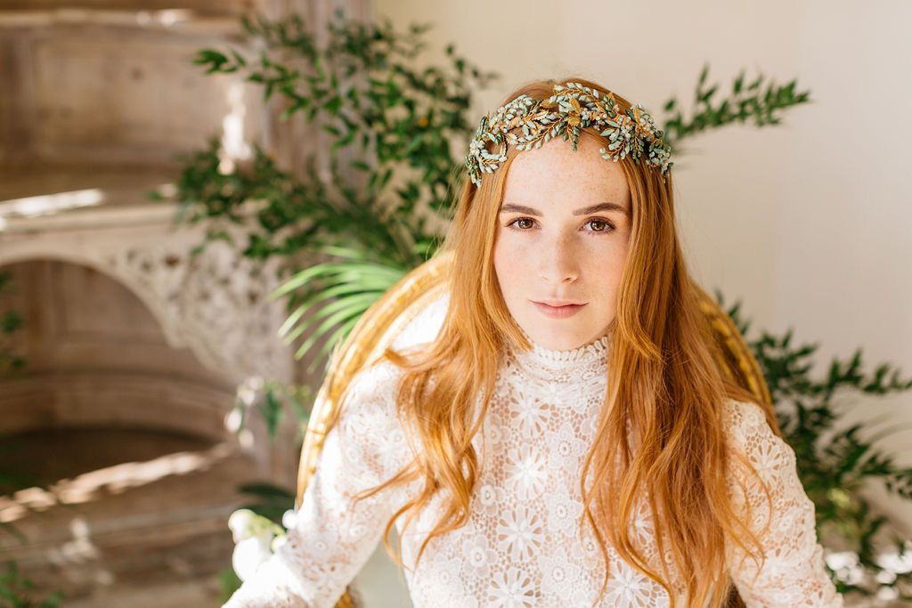 Viridiana-headdress-bowtieandbellephotography