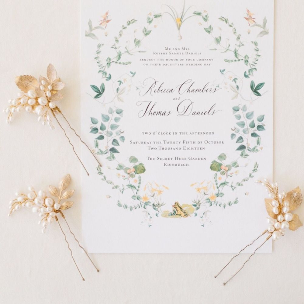 ISSORIA | Gold Leaf and Pearl Hair Pins