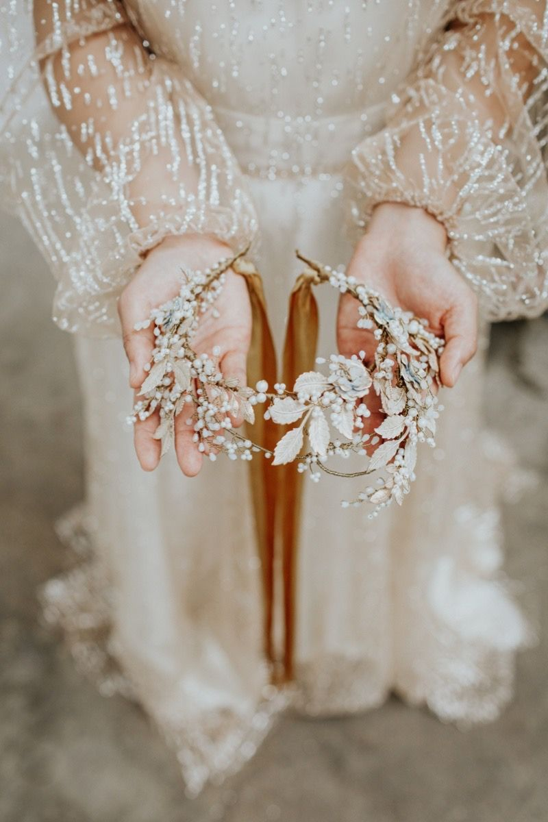 Desdemona statement gold floral bridal crown