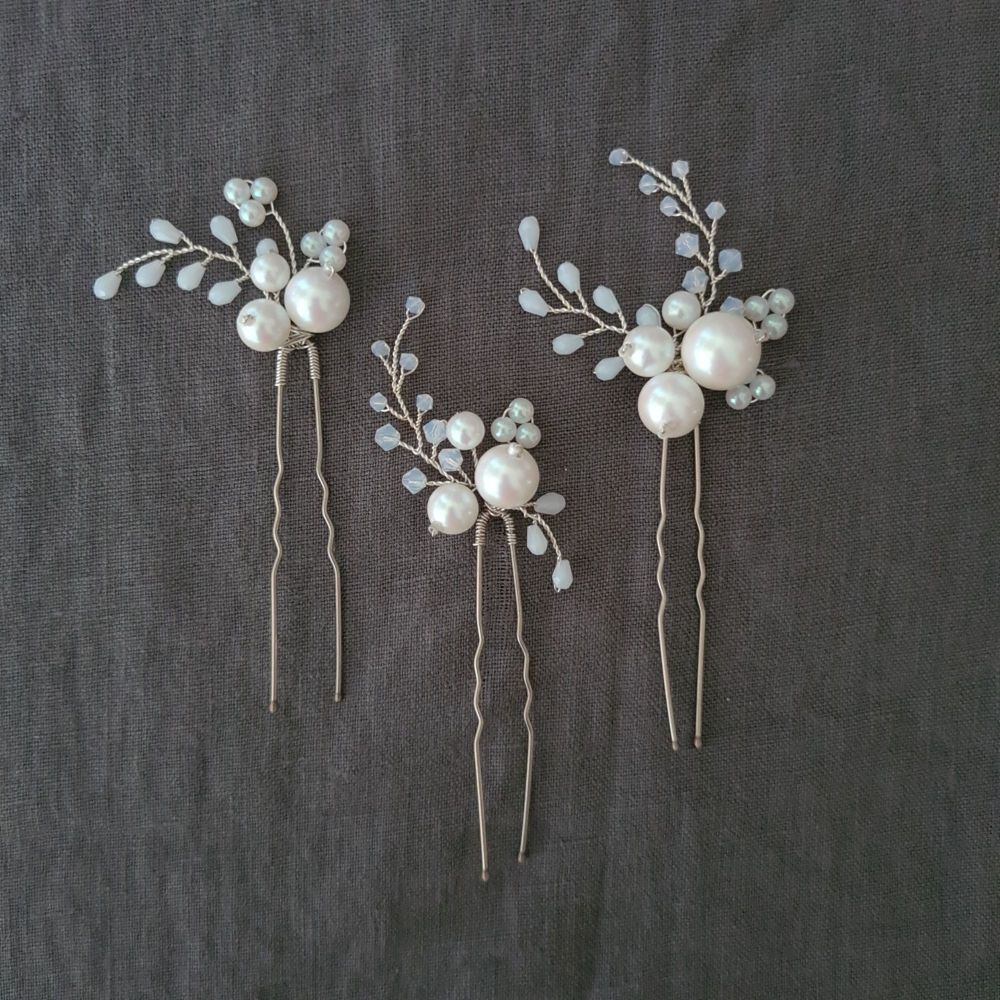 SNOWBERRY   Set of three oversized pearl and white opal bridal hair pins