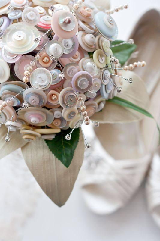 Bouquet & shoes