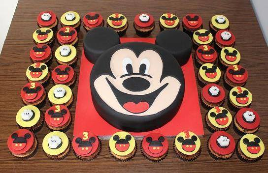 Mickey and cupcakes