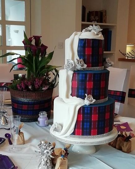 Two way wedding cake