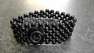 Oasis Corsage Narrow Pearl Bracelet Black