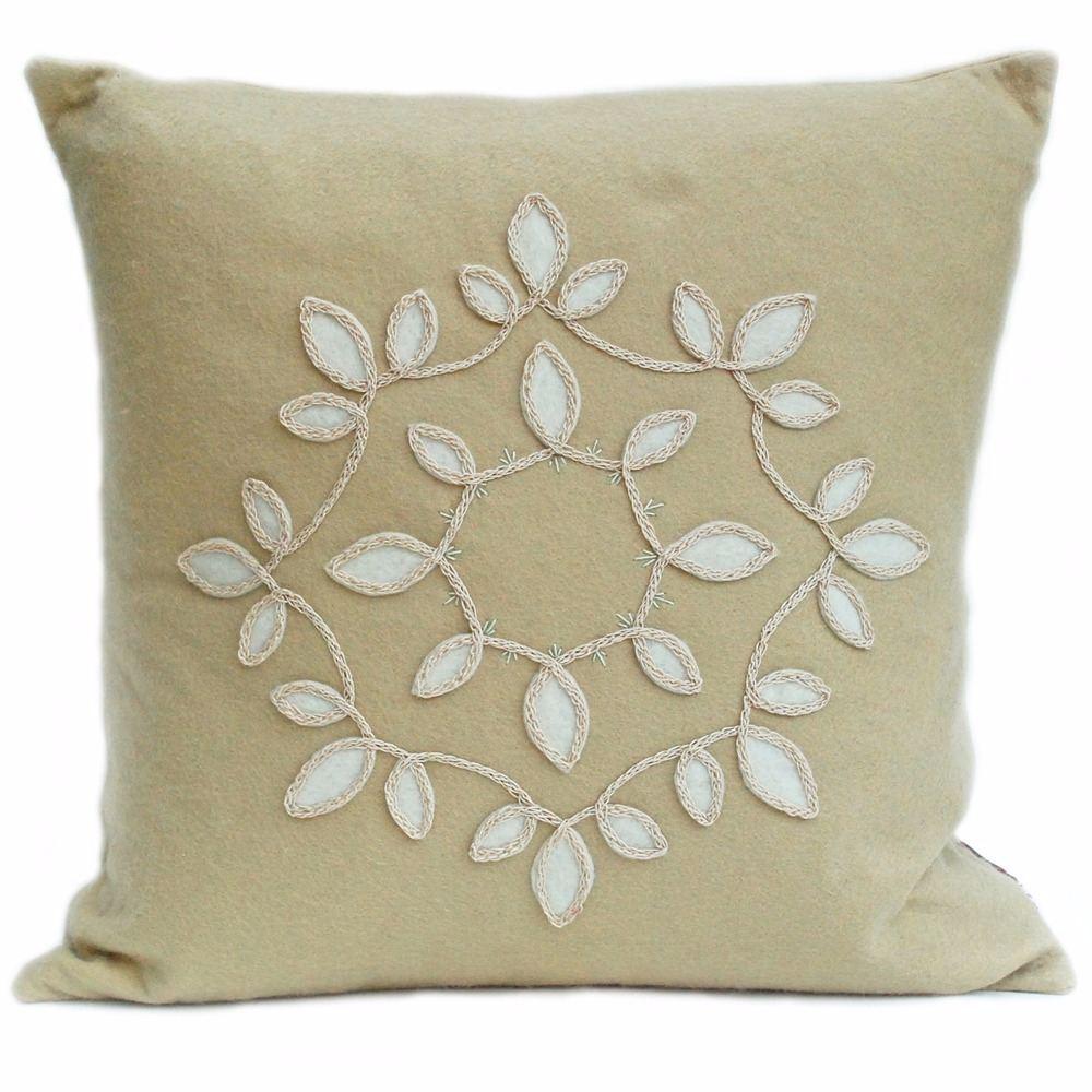 Sand wool felt with round leaf design