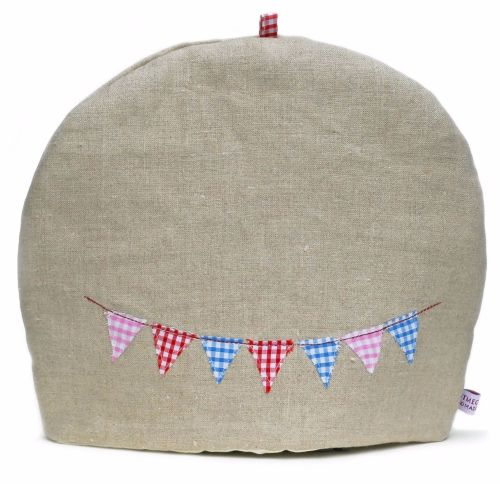 Linen tea cosy with embroidered bunting