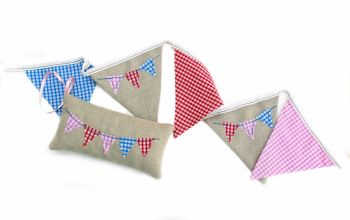 Linen and gingham bunting