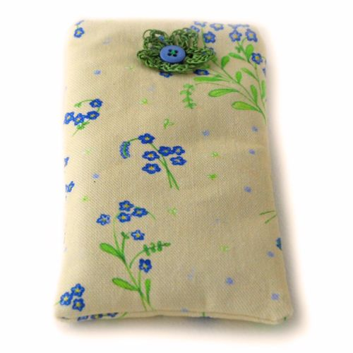 Mobile phone cover in Forget-Me-Not design