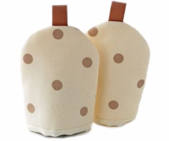 Little egg cosy in cream and taupe spots design
