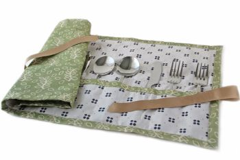 Green leaves cutlery wrap