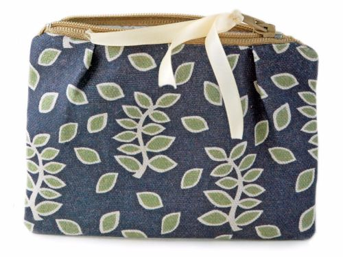 Smokey leaves coin purse