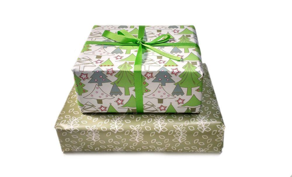 Christmas green trees gift wrap