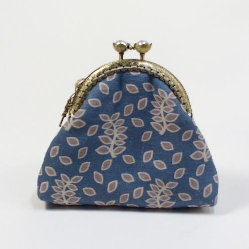 Blue and stone leaves clasp purse