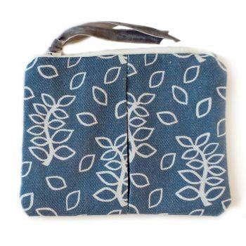 Blue leaves coin purse