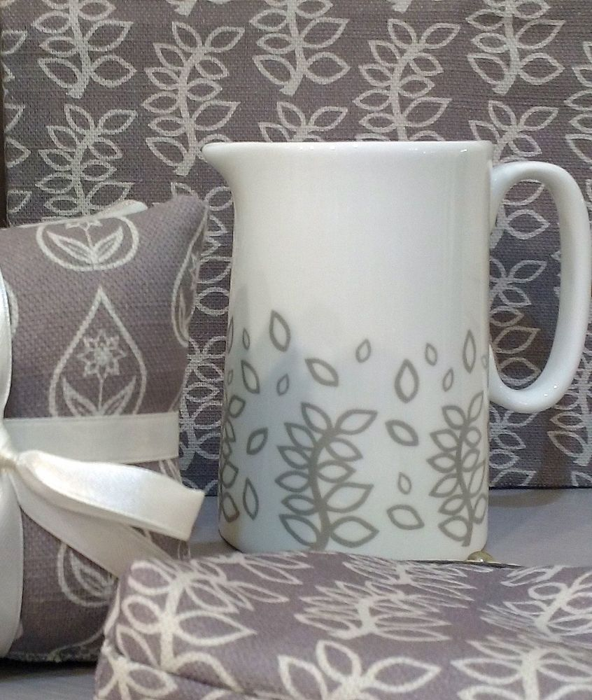 Stone grey leaves half pint milk jug