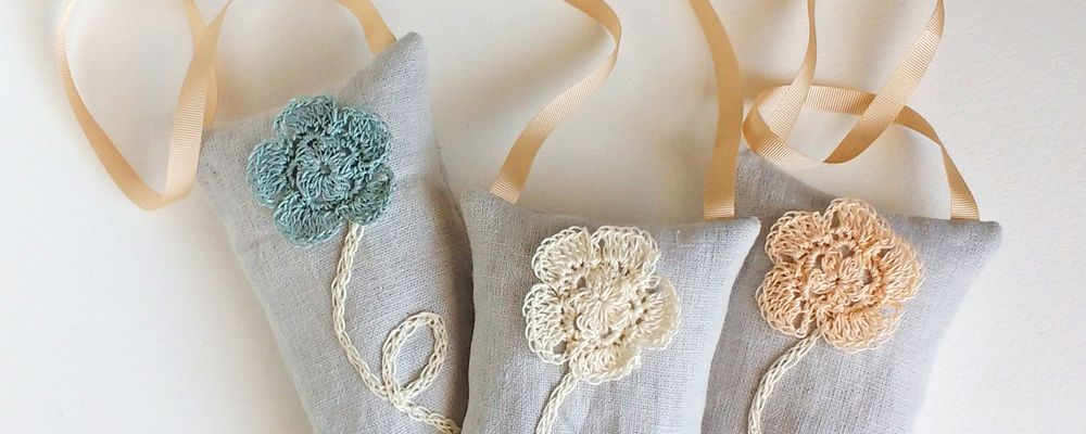 linen-crochet-flower-lavender-bags-b