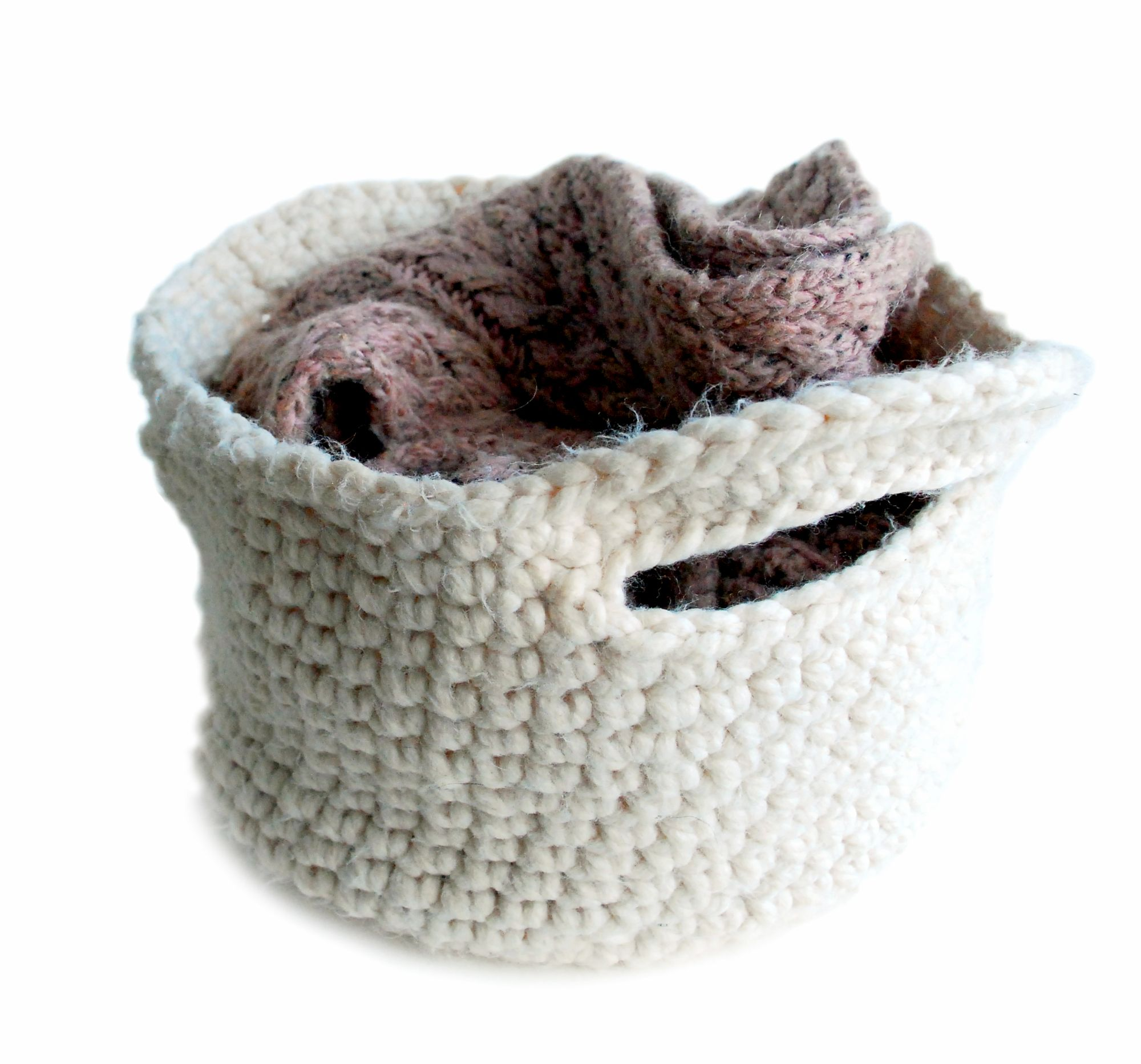 Chunky crocheted basket in cream yarn