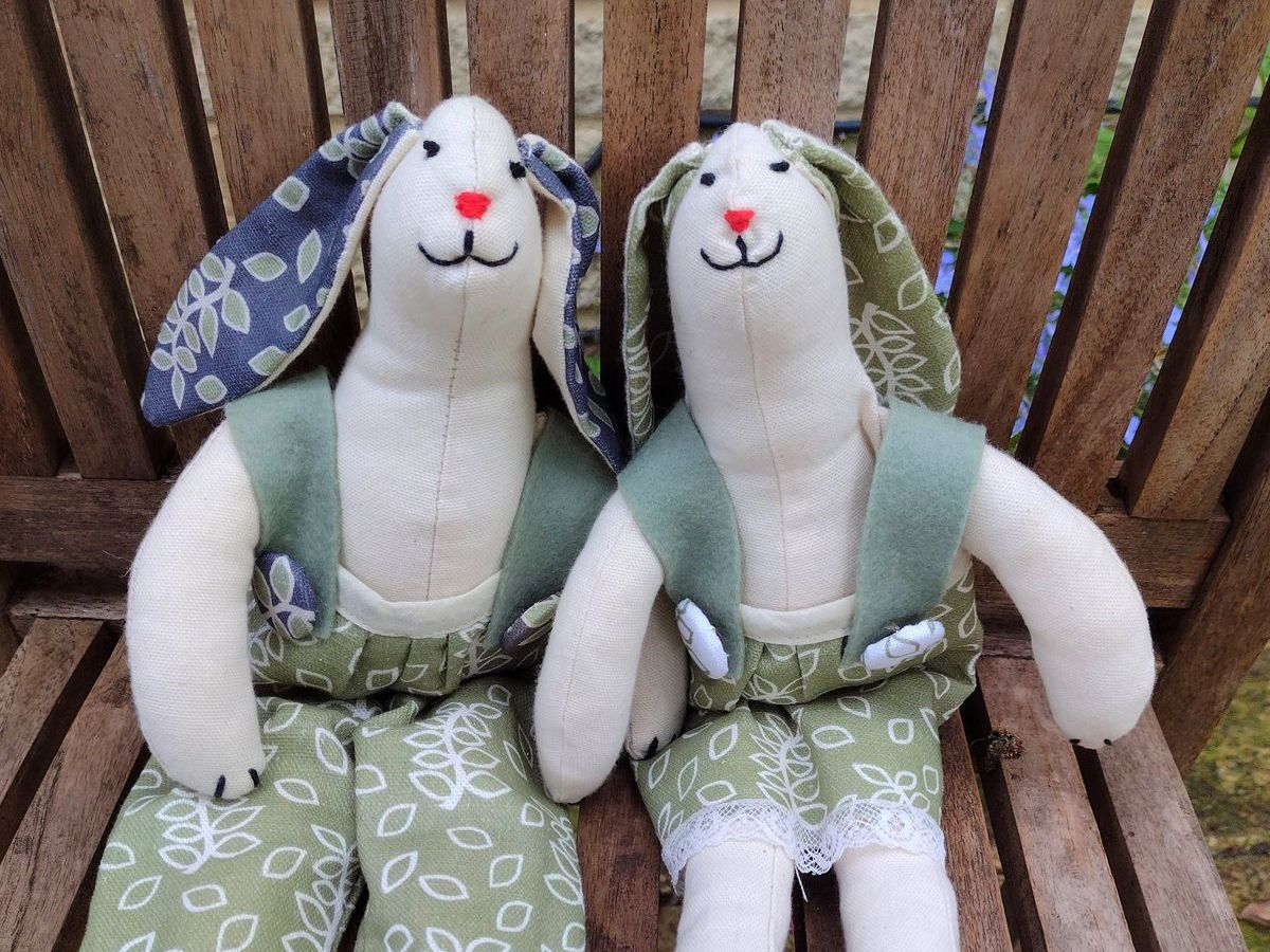 Nutmeg and Sage sewing kits