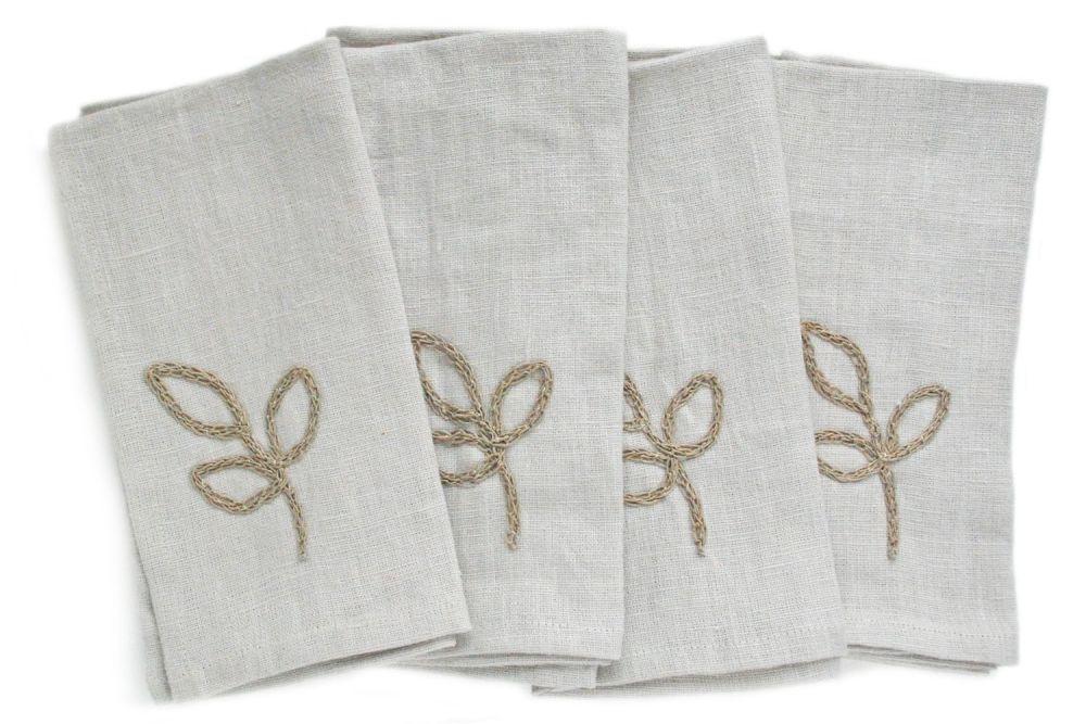 Linen napkins wirh crocheted leaves design