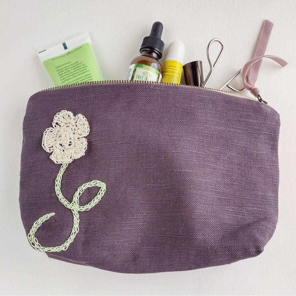 Linen medium cosmetic pouch with crocheted detail