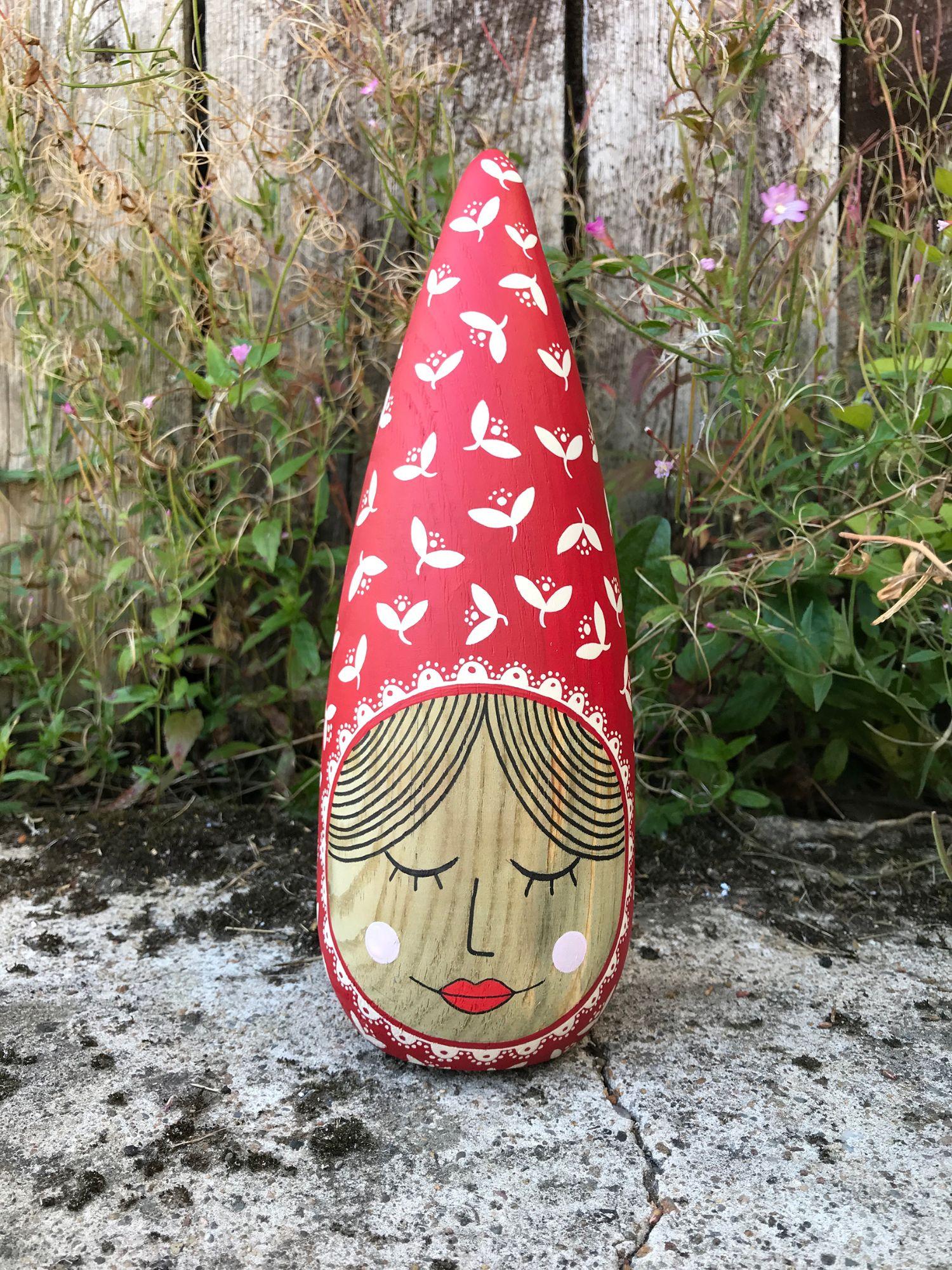 red folk lady