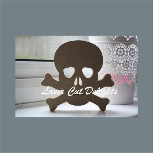 Skull & Crossbones 18mm 15cm