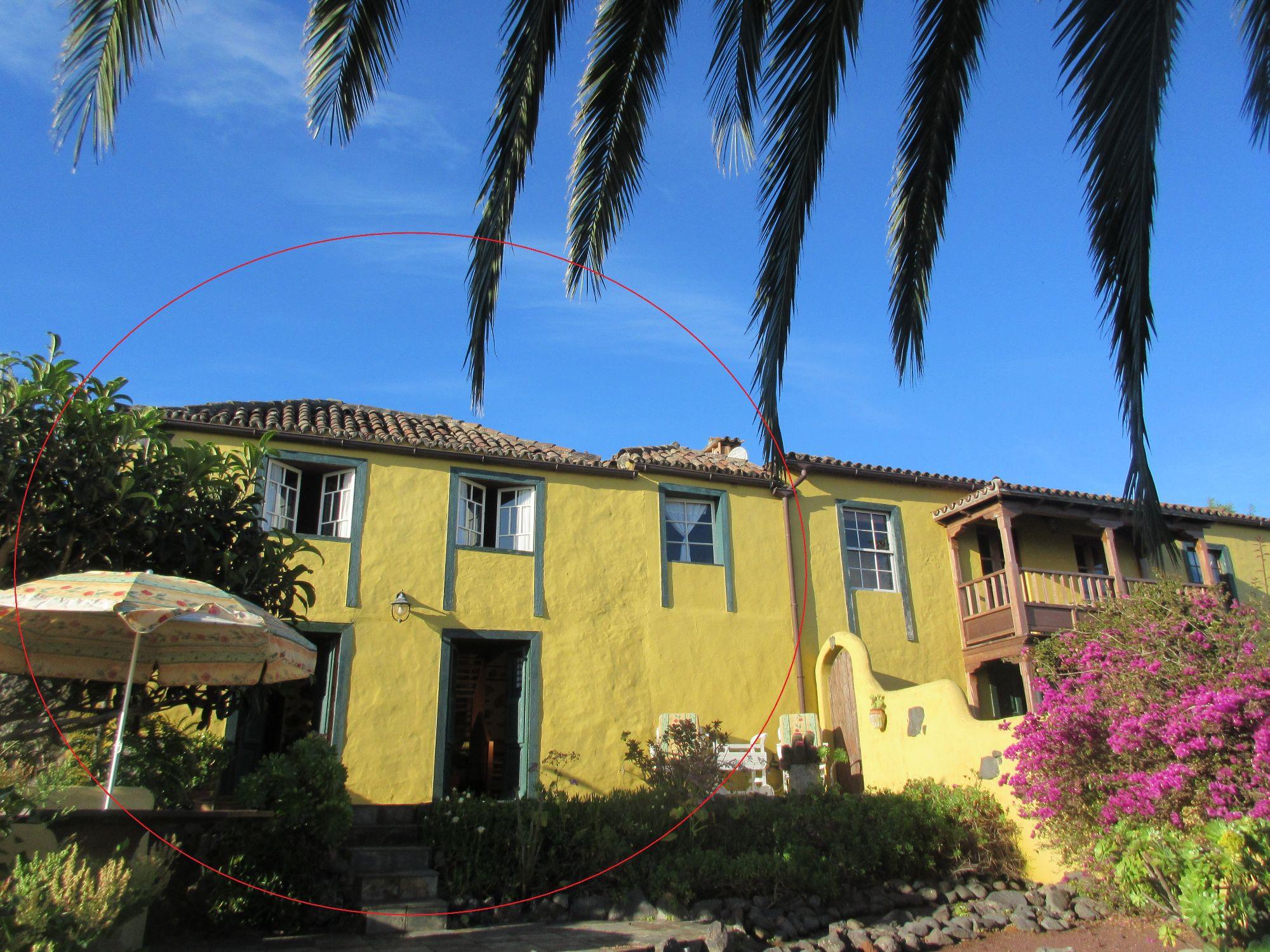Casa Gloria with adjoining farmhouse